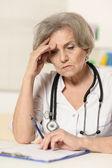 Senior vrouw arts — Stockfoto