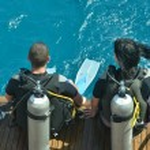 Two scuba divers — Stock Photo