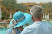 Senior couple at the resort — Stockfoto