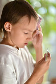 Little boy feels ill — Stock Photo