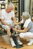 Yaşlı çift spor salonu — Stok fotoğraf