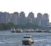 Boats and buildings — Stock Photo