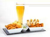 Beer and fried appetizer — Stock Photo
