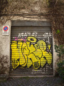 Graffiti Doors in Rome — Stock Photo