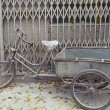 Weathered Bike Parked in Beijing — Photo