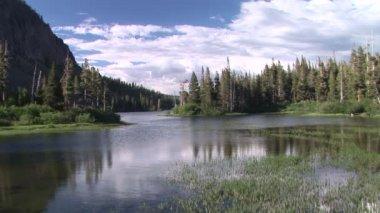 Breeze across Twin Lakes — Stock Video