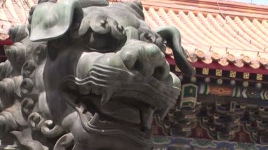 Lion Statue at Lama Temple — Stock Video