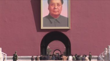 Chairman Mao, Forbidden City and Chinese Tourists — Vídeo de stock