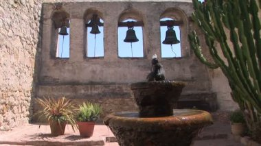 Bell Wall and Fountain — Vídeo de Stock