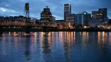 Downtown Portland and the Willamette River — Stock Video #34326221