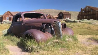 Antique Rusted Hot Rod — Stock Video