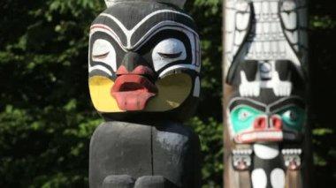 Stanley Park Totem Poles — Stock Video