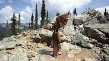 Native American Sculpture — Stock Video