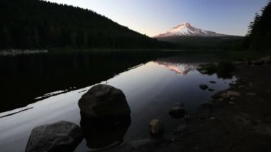 Trillium Lake and Mt. Hood — Stock Video