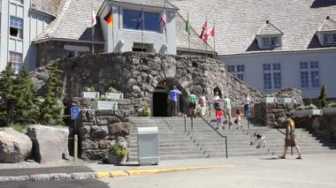 Timberline Lodge Entrance — Stock Video