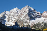 Snow Capped Maroon Bells — Stock Photo