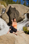 Practicing Yoga at Waterfall — Foto Stock
