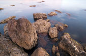 Sea water and big boulders. Landscape — Stock Photo