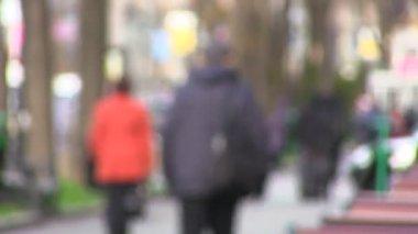 Voetgangers op straat in de stad. wazig time-lapse — Stockvideo