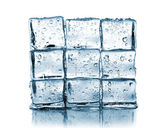 Wall made ​​of ice cubes — Stock Photo