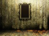 Miroir antique dans une pièce sombre — Photo
