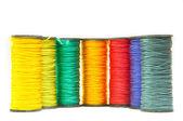 Colorido carretes de hilo — Foto de Stock