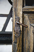 Door of Bran Castle, known as Count Dracula — Stock Photo