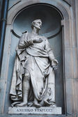 Amerigo Vespucci statue — Stock Photo