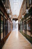 Beautiful Parisian shopping gallery — Stockfoto