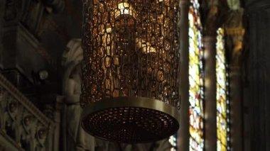Beautiful masterpiece lamp — Stock Video