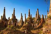 在茵莱湖、 掸邦、 缅甸丹瑞大将 indein 宝塔 — 图库照片