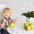 Happy boy and apples — Stock Photo