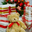 Christmas tree and presents — Stockfoto