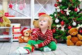 Cute toddler and Christmas present — Fotografia Stock