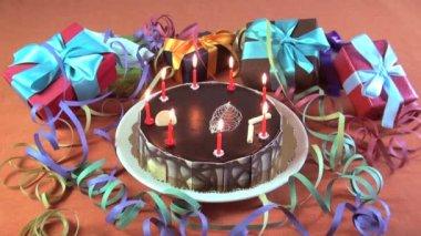 день рождения торт с вспышек — Стоковое видео