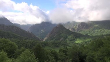 Asturias valley fast — Stock Video