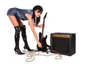 Chica sexy atractiva joven con guitarra rock guitar — Foto de Stock