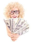 Junge frau mit us-dollar in ihre hände — Stockfoto