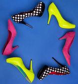 Ramki kolorowe buty na obcasie — Zdjęcie stockowe