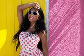 American woman wearing sunglasses — Stock Photo