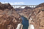 Connecting two states Hoover Dam bridge. — Stock Photo