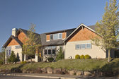 Manicured residential house Clackamas Oregon. — Stock Photo