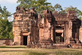 Prasat Ta Moan Thom at sunset — Stock Photo