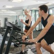 Couple in gym — Stock fotografie