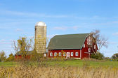 Traditional American Barn (Autumn Season) — Stock Photo