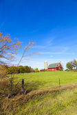 American Countryside With Blue Sky — Stock Photo