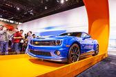 CHICAGO - FEB 16: The Chevrolet Camaro Hot Wheels Edition on dis — Stock Photo