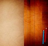 Papel velho na mesa de madeira — Foto Stock