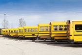 Yellow School Bus With Blue Sky — Zdjęcie stockowe
