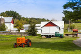 American Countryside Farm With Tractor — Stock Photo